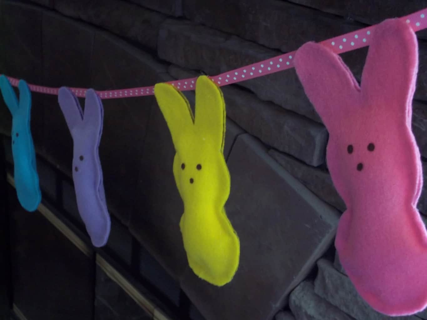 No Sew Easter Peeps Decorations With Free Printable