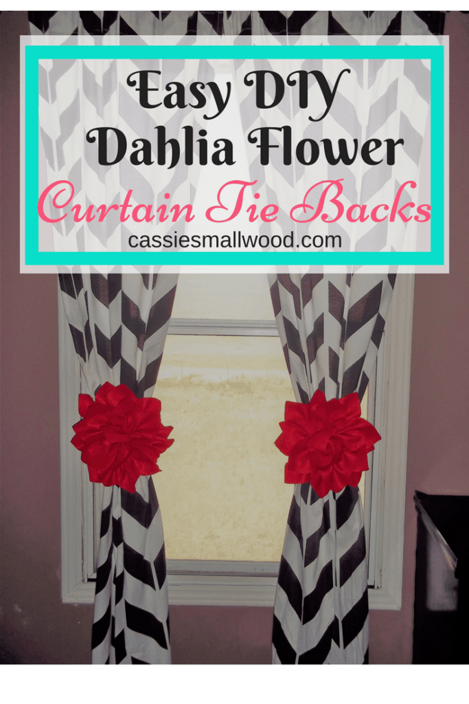 These easy DIY curtain tie backs look like dahlia flowers and are the perfect complement to your home decor.  They look great in bedrooms and living rooms!