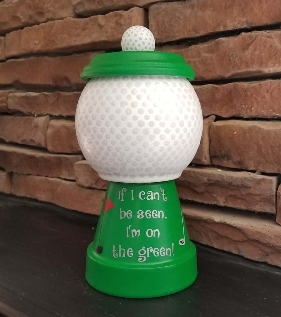 Golf gift for dad for father's day. Father's day homemade gifts from kids. This fathers day golf craft is an unusual golf gift that any golfer will love.
