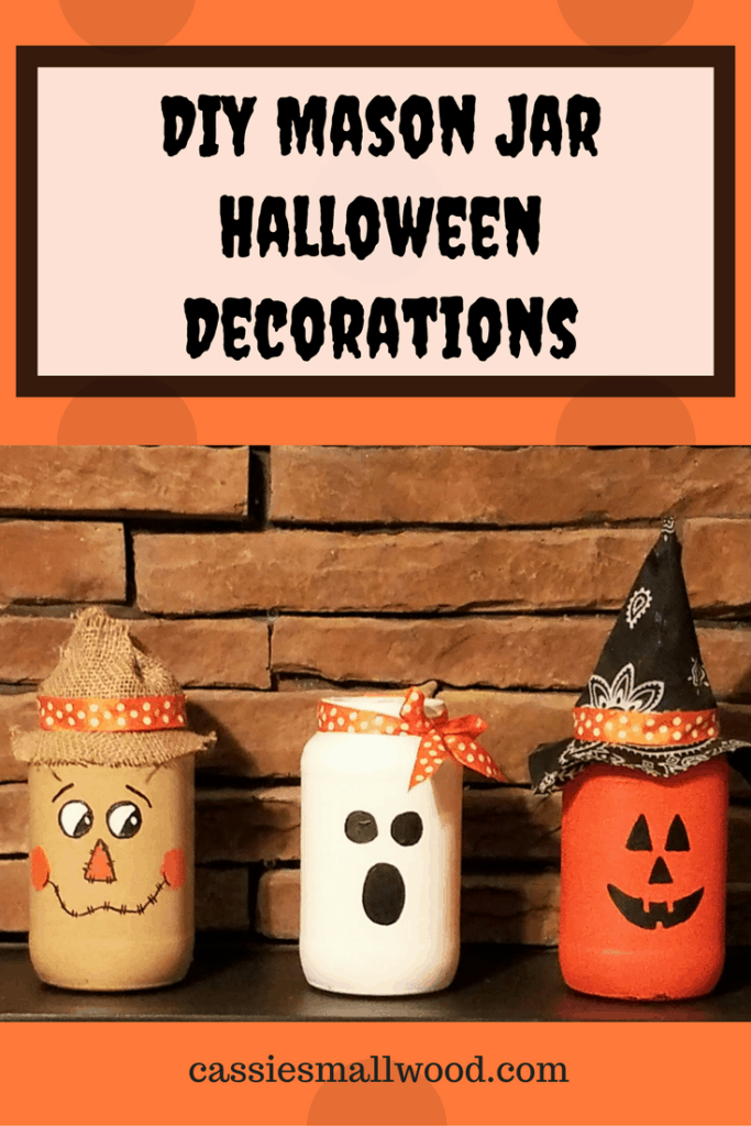 These DIY mason jar Halloween decorations are the perfect centerpiece, mantle decorations or Halloween gift! Click to see the full tutorial for these cute Halloween decorations.